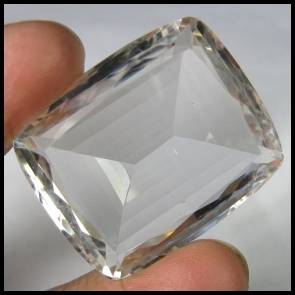 90.50 CARAT NATURAL & UNTREATED CRYSTAL QUARTZ GEMSTONE FOR HEALING