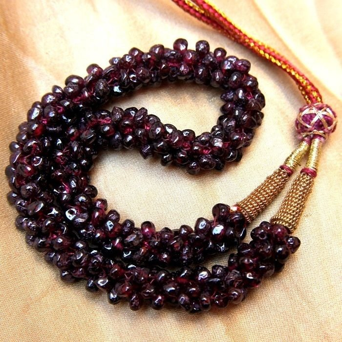 MOST BEAUTIFUL NECKLACE NATURAL EARTH MINED RED GARNET GEMSTONE FREEFORM BEADS
