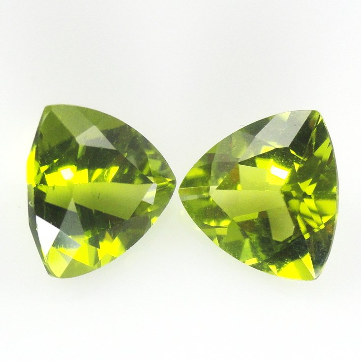 Certified Natural Peridot AAA Quality 5.5 mm Faceted Trillion 2 pcs pair
