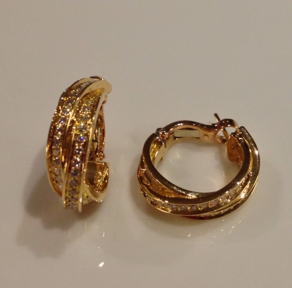 Gorgeous Cartier Trinity 18K Gold Diamond Hoop Earrings