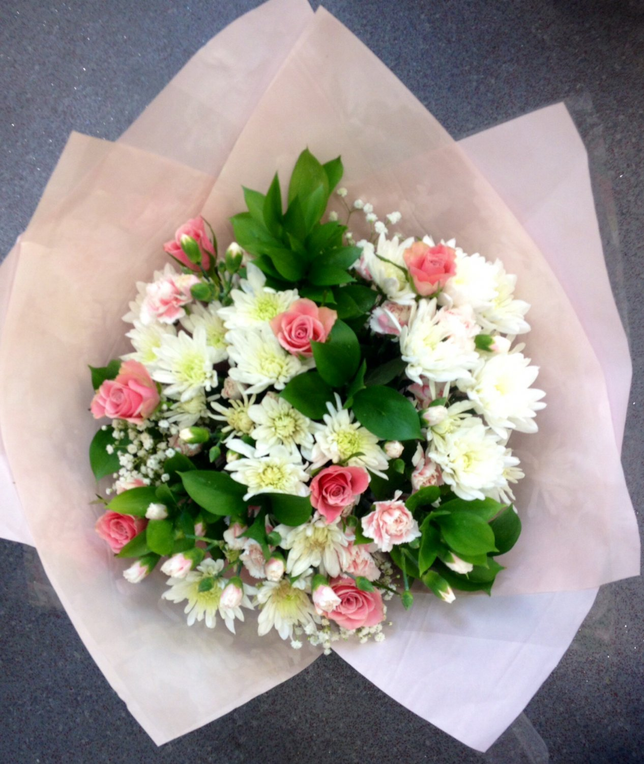 Pretty in pink large hand-tie bouquet