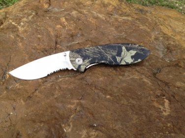 "8"" CAMO ARMY FATIGUE FOLDING KNIFE WITH CLIP Sku : 5090 Availability: In stock"