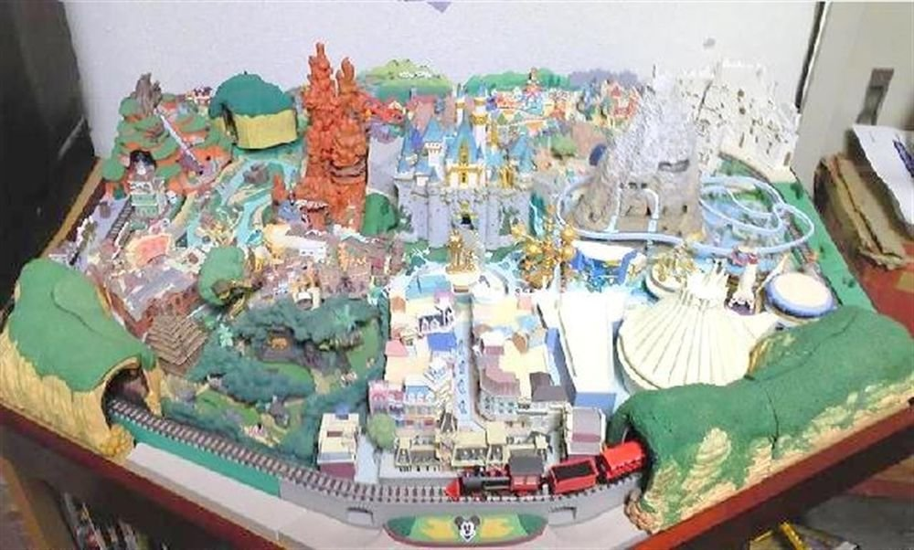 Walt Disney My Disneyland DeAGOSTINI Diorama Model1-100 Miniature JapanF/S NEW