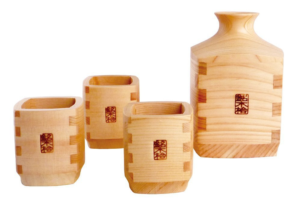 Made in JAPAN Yamako Takumi Cypress Tokkuri & sake cup 4-piece set Hinoki NEW FS