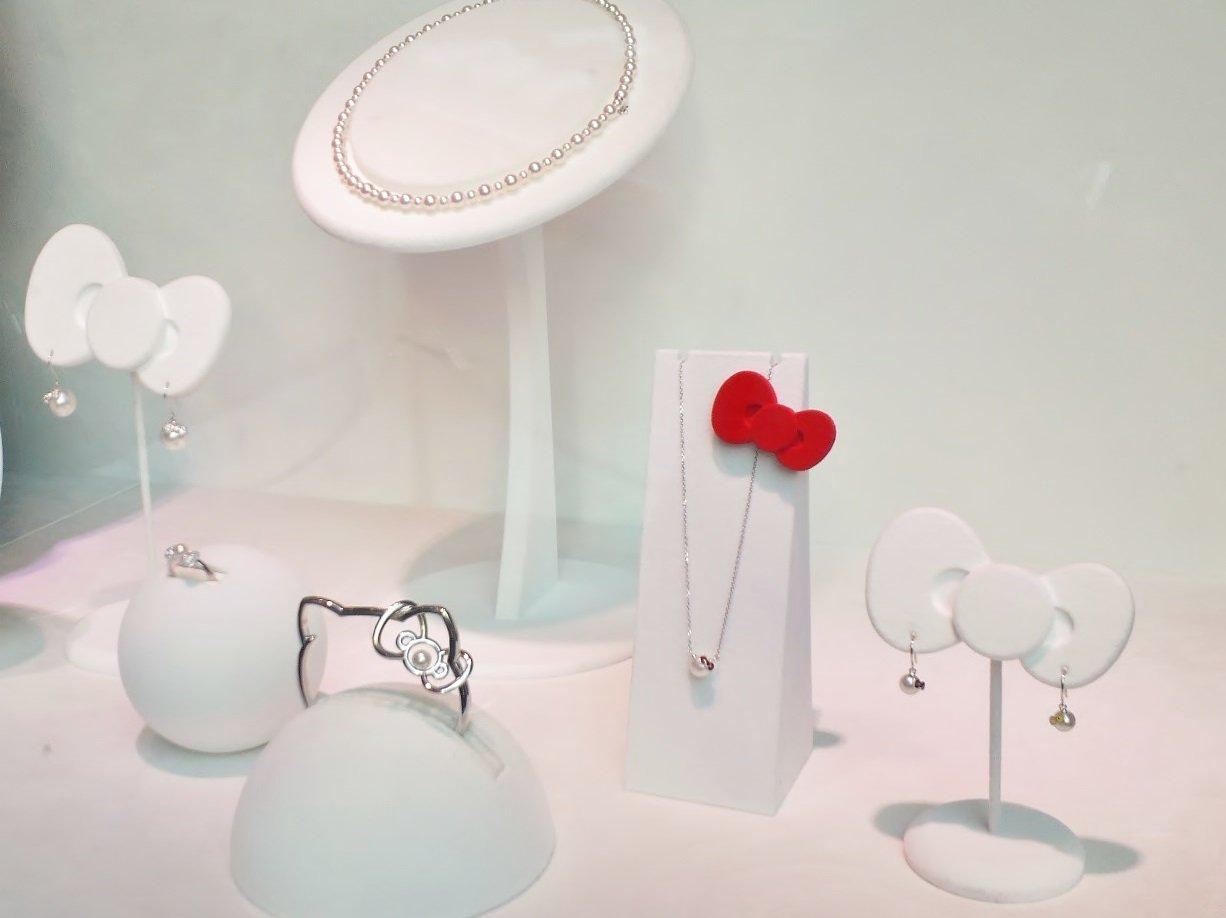 Hello Kitty x MIKIMOTO Japan Akoya Pearl Bracelet Bangle Silver Sanrio FS NEW