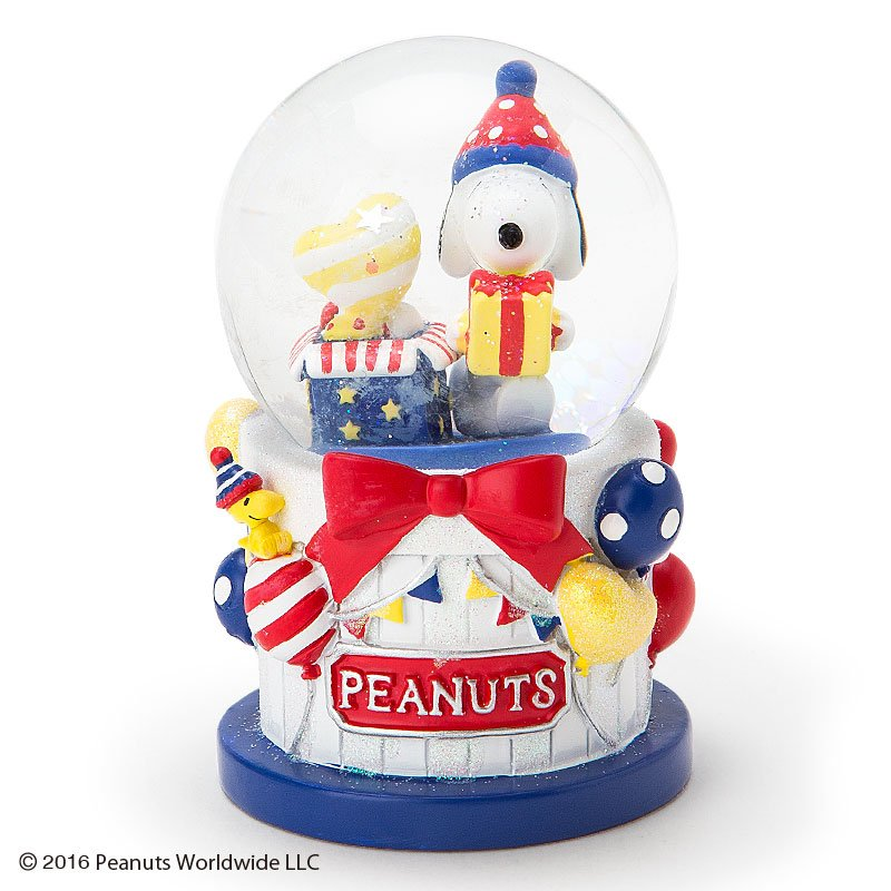 New release! 2016 Snoopy Peanuts Christmas Snow Globe dome Japan FS
