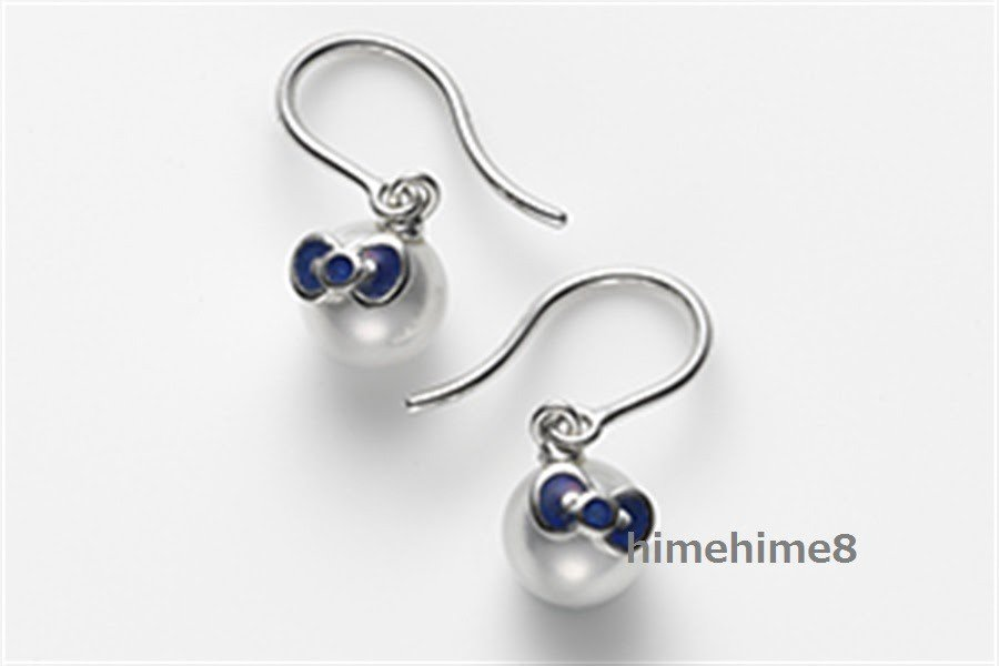 Mikomoto � Hello Kitty Akoya pearl earrings piece Blue White gold 18K FS NEW