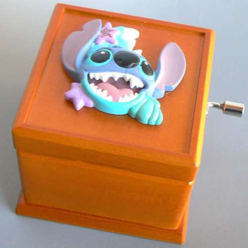 Disney Stitch Wooden hand-crafted 18 valve music box Accessory case Japan Gift