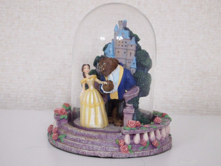 Extraordinary rare! Disney Item Beauty and the Beast with a Glass Dome