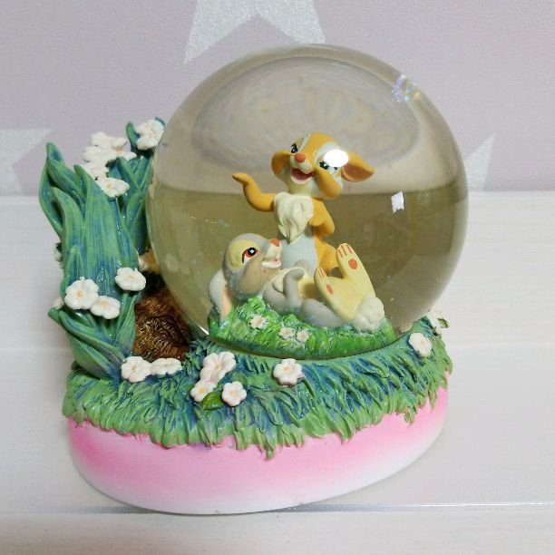 2005 Disney Store Hawaii Miss Bunny & Thumper Snow Dome Figure Snow Globe