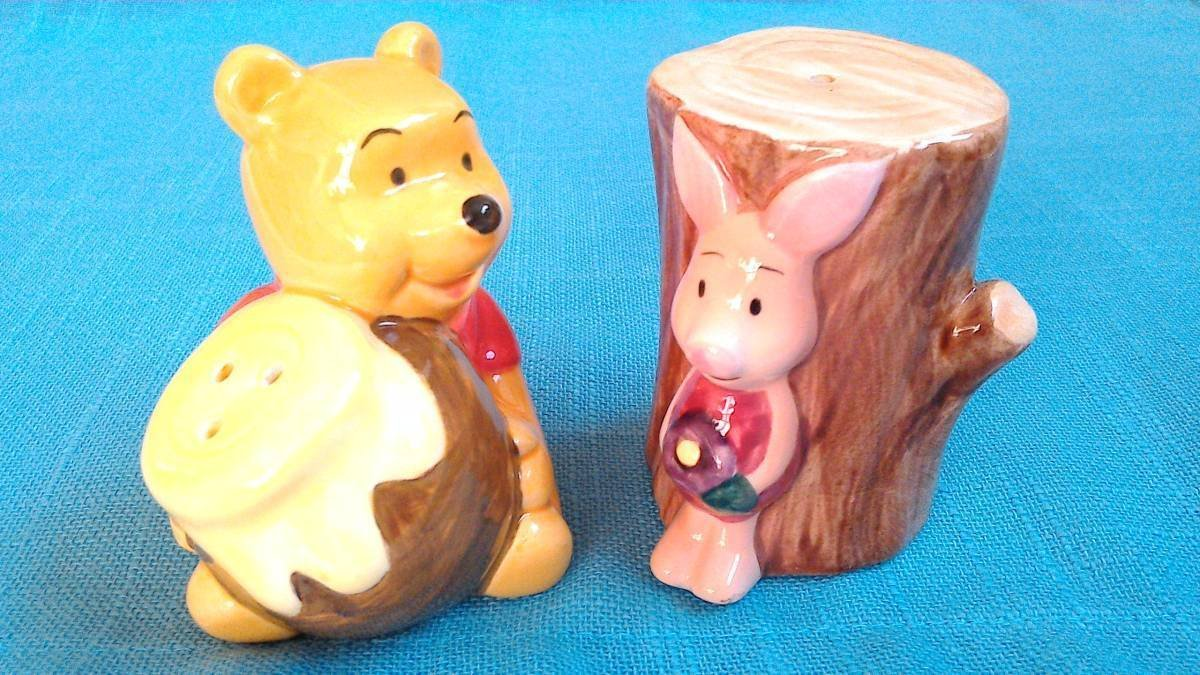 Winnie The Pooh & Piglet Seasoning Case Salt & Pepper Bottle Honey Hunt Figure