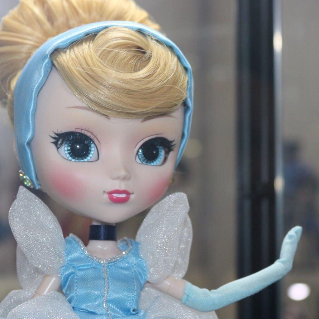 Doll Collection Disney Cinderella Pullip Princess grove Figures 31cm with Stand