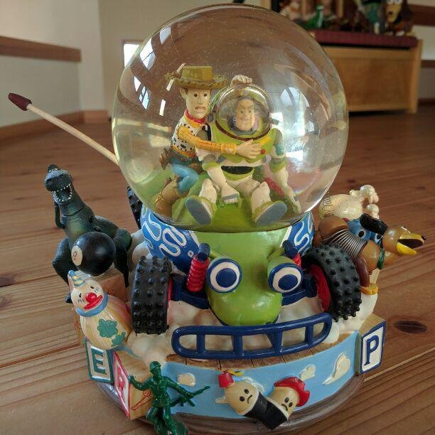 Extremely rare Vintage 1995 Toy Story 1 Woody & buzz Snow globe with music box