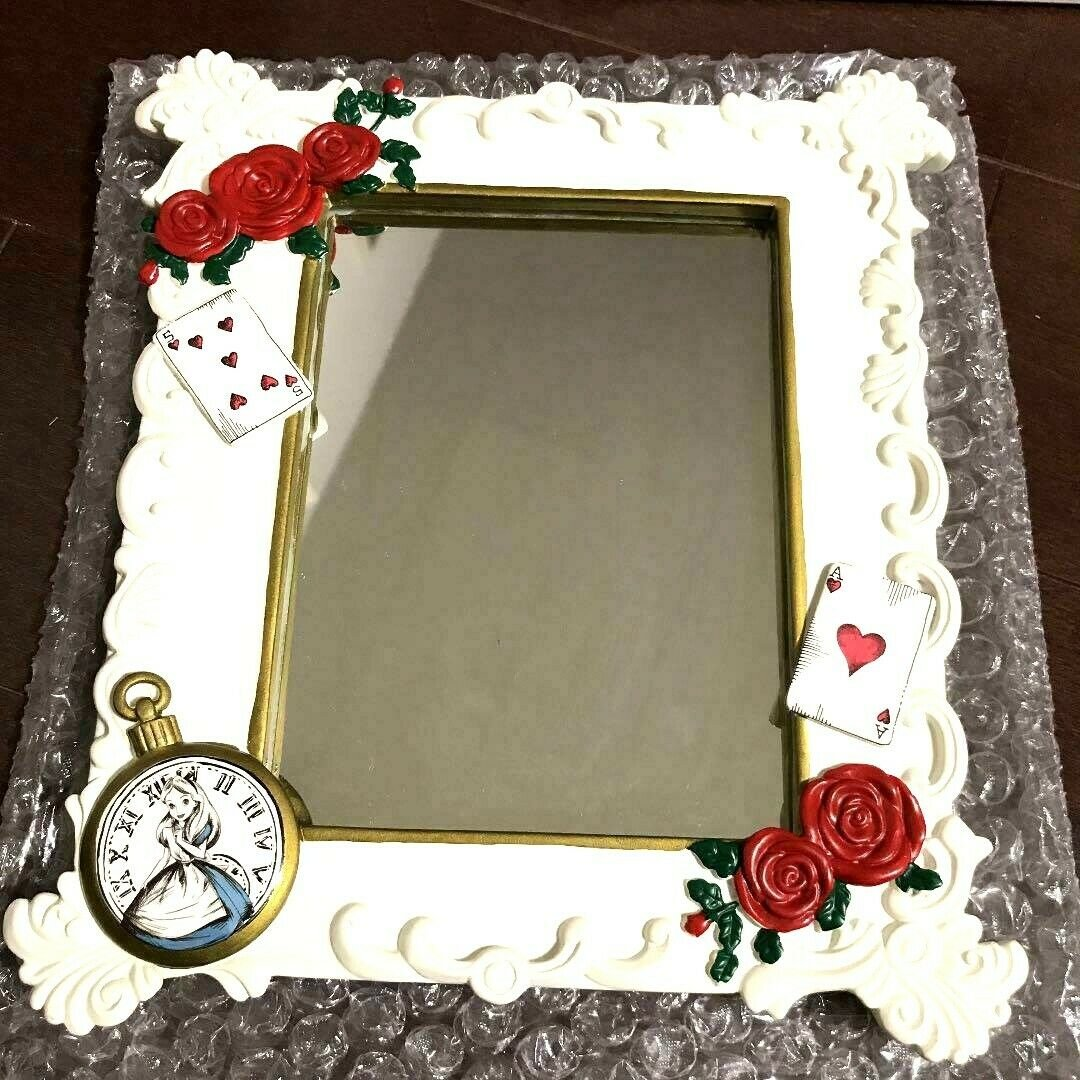 Disney Store Japan Alice in Wonderland stand Mirror Rose Playing cards white