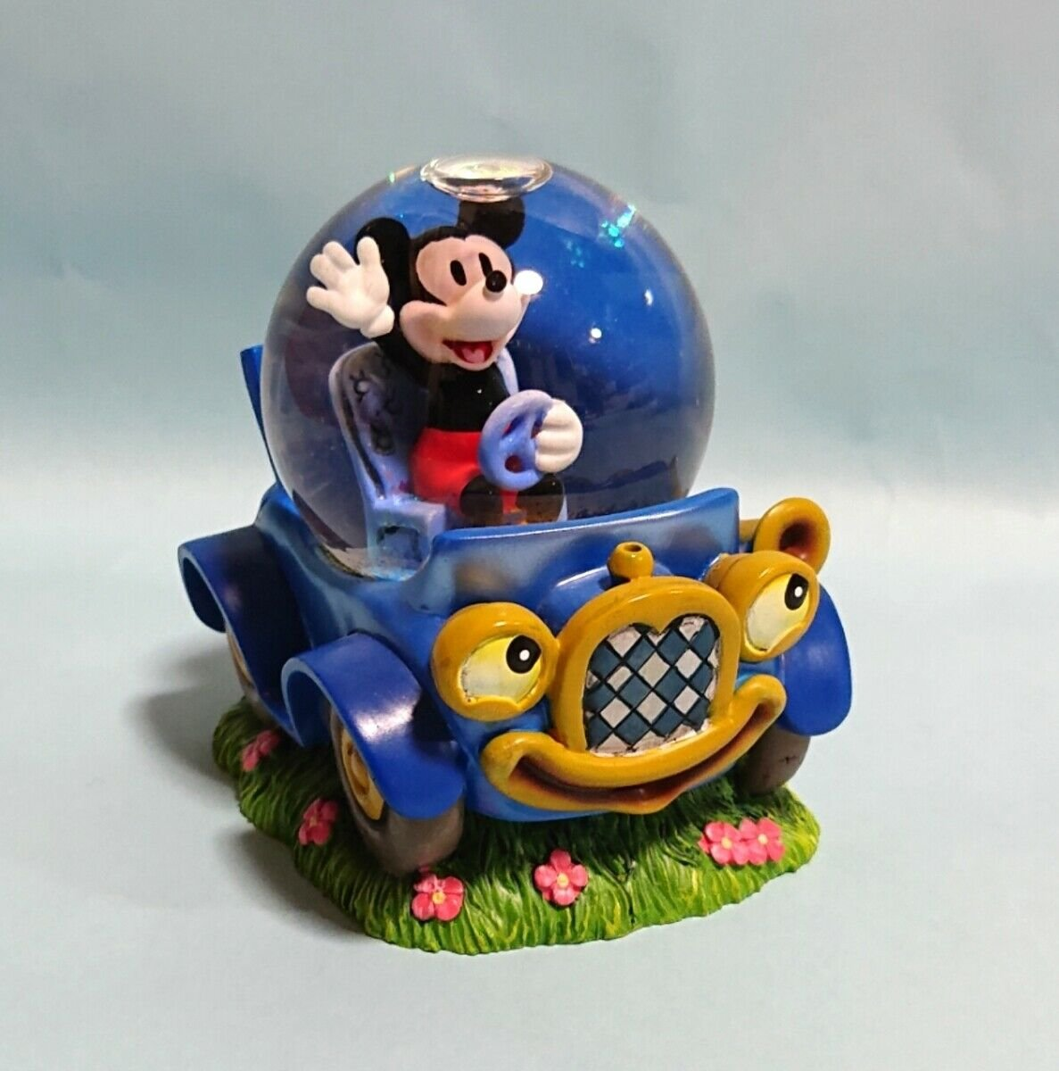 Disney Store Japan Mickey Mouse & Car Snow Globe Fig Dome Ornament