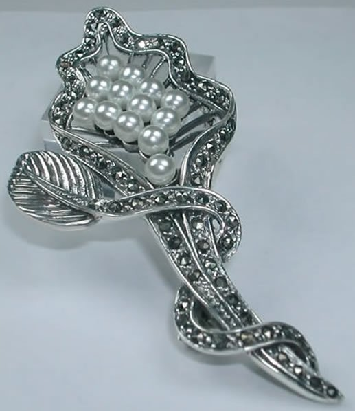 Grey Marcasite and white Pearl Flower Brooch/Pin in Sterling Silver