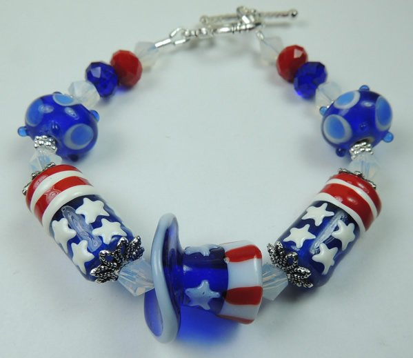 Red White and Blue Stars and Stripes Lampwork Bracelet with Metal Plated Silver Tone Toggle