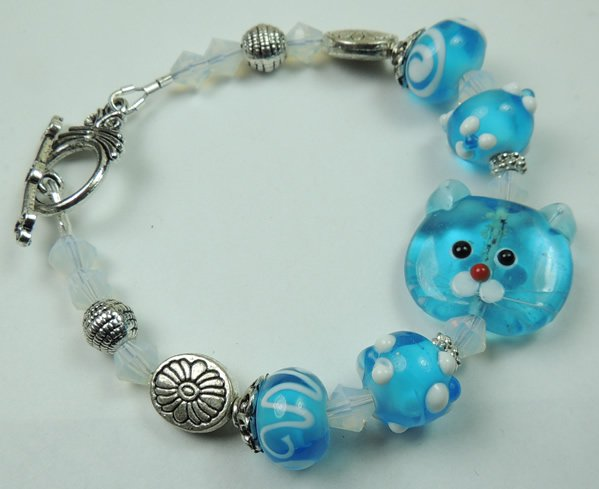 Turquoise Cat Lampwork Bracelet with Turquoise Swirl and Dot Lampwork