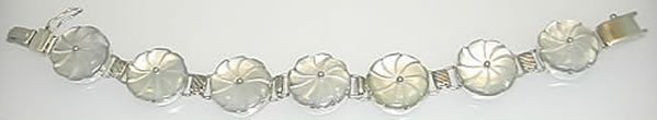 New White Mother of Pearl Flower Bracelet in Sterling Silver