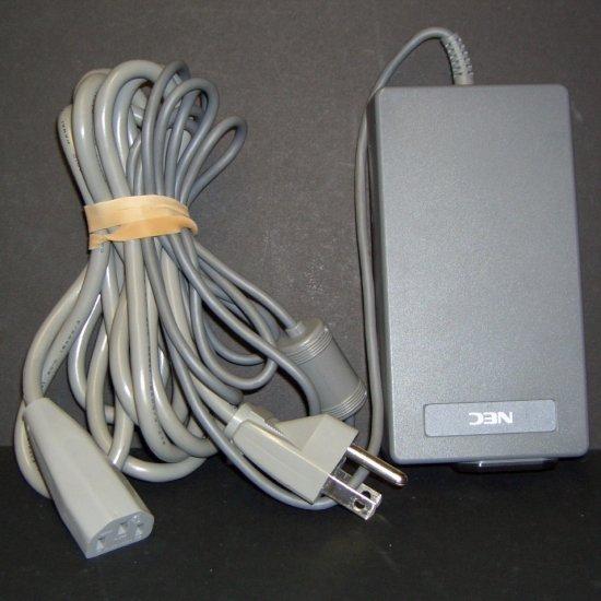NEC AC ADAPTER INPUT 100v-240v OUTPUT DC19V 1.0A P/N OP-520-1201 Versa S Series
