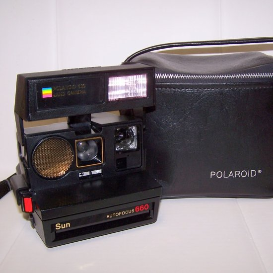 polaroid sun 660 autofocus camera with strap and original polaroid bag excellent. Black Bedroom Furniture Sets. Home Design Ideas