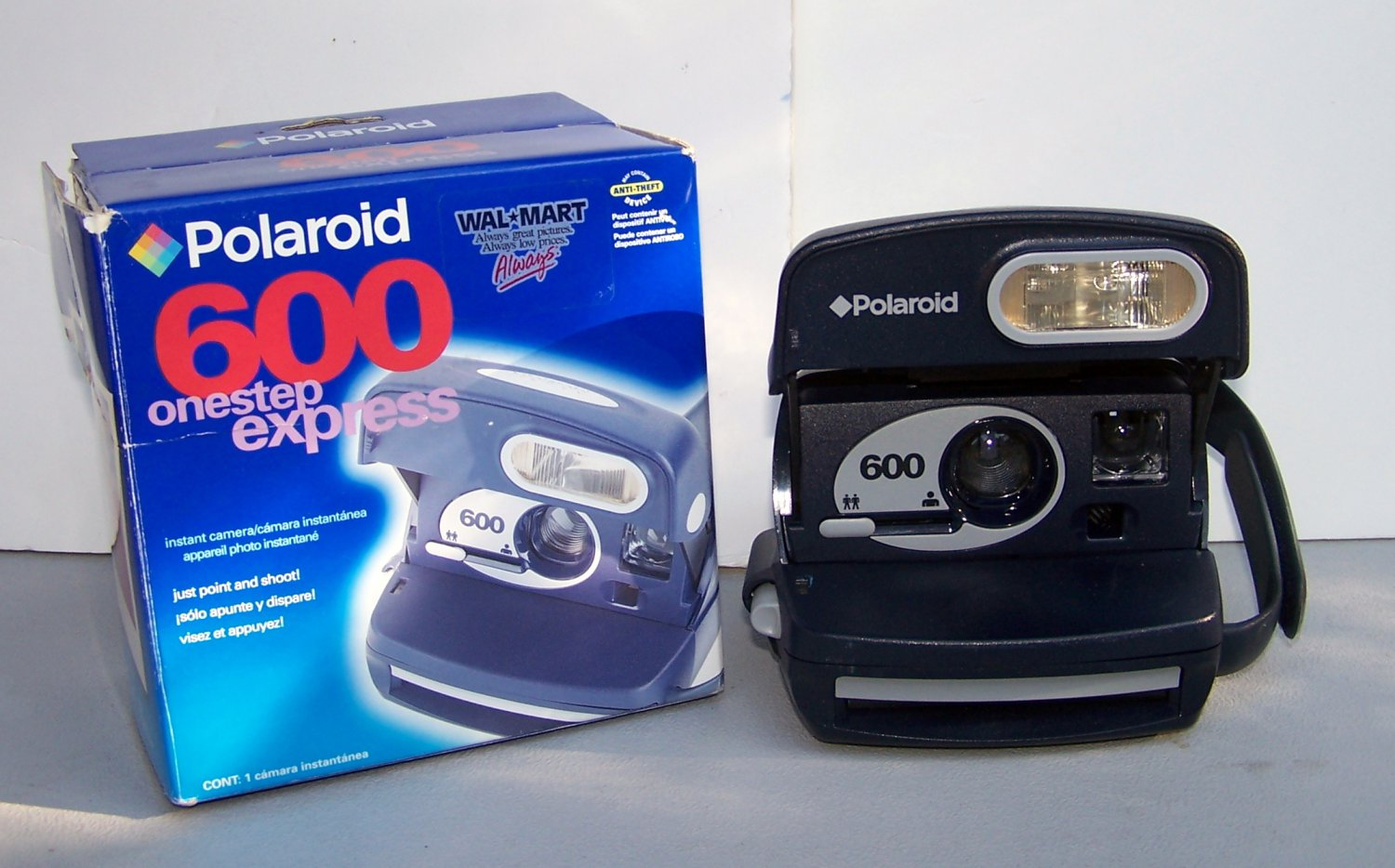 Polaroid One Step Express Instant Camera Excellent Condition onestep uses 600 film