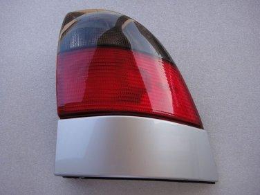 Saab 9-5 9 5 Wagon passenger Tail Light Lamp RH OEM 1999-2001