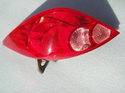 Nissa Versa Hatchback RH TAIL LIGHT ASSEMBLY 07 08 09 10 PASSENGERS SIDE
