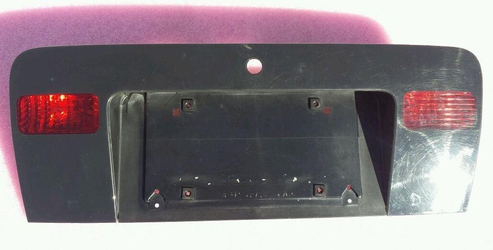 1998-2004 AUDI A6 QUATTRO REAR LICENSE PLATE TRUNK BRACKET OEM 4B5945695 BLK 364