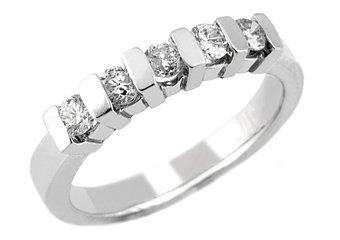 1/2 CARAT WOMENS BRILLIANT ROUND 5-STONE DIAMOND RING WEDDING BAND WHITE GOLD