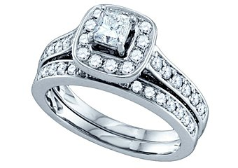 WOMENS DIAMOND HALO ENGAGEMENT RING WEDDING BAND BRIDAL SET PRINCESS CUT 1.5 CTS