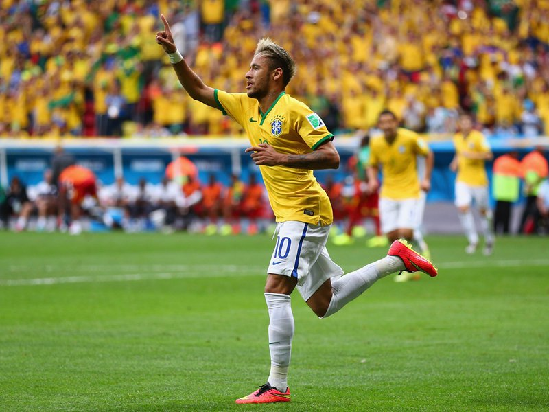007 -  8 X 6 Photo - Football - FIFA World Cup 2014 - Brazil V Cameroon Neymar Celebrates.jpg
