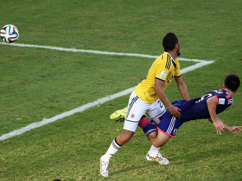 034 -  8 X 6 Photo - Football - FIFA World Cup 2014 - Colombia V Japan Shinji Okazaki Scores