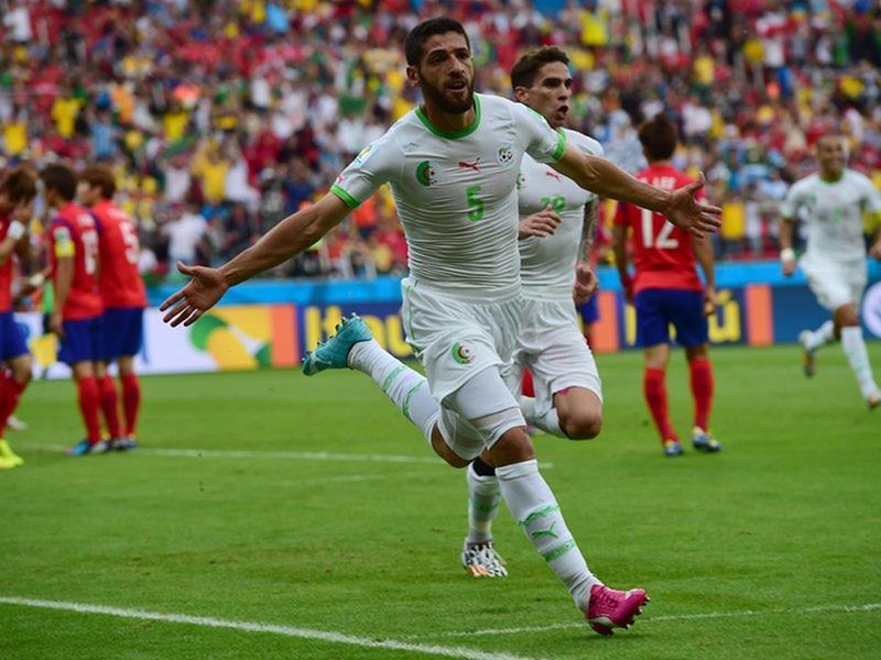 097 - 8 X 6 Photo - Football - FIFA World Cup 2014 - Algeria V S Korea - Halliche Celebrates