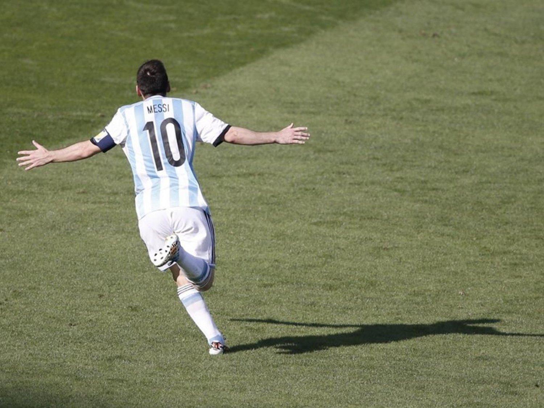 WC 0117 - 8 X 6 Photo - Football - FIFA World Cup 2014 - Argentina V Iran - Messi Goal Celebration