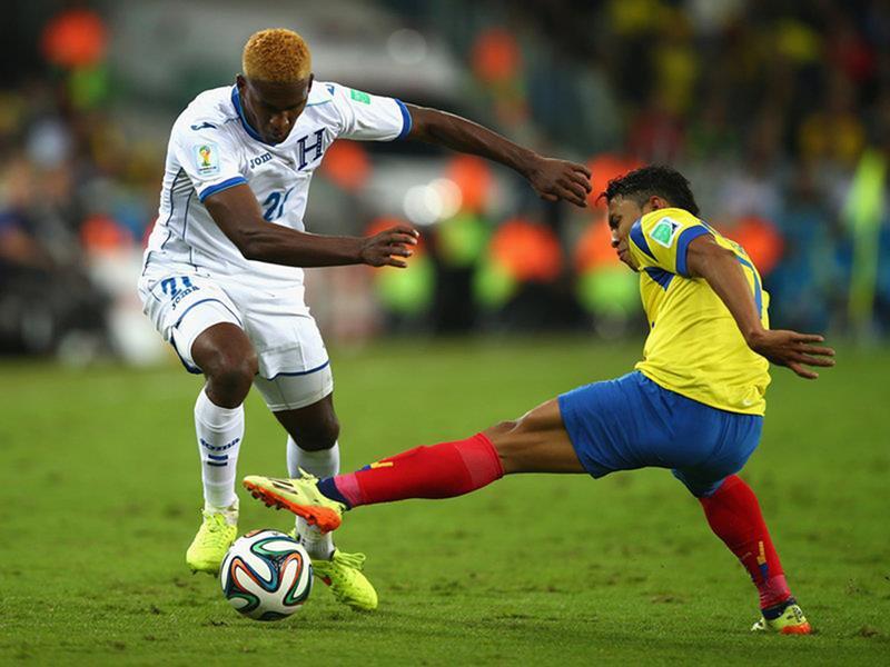 WC 0194 - 8 X 6 Photo - Football - FIFA World Cup 2014 - Honduras V Ecuador - Brayan Beckeles