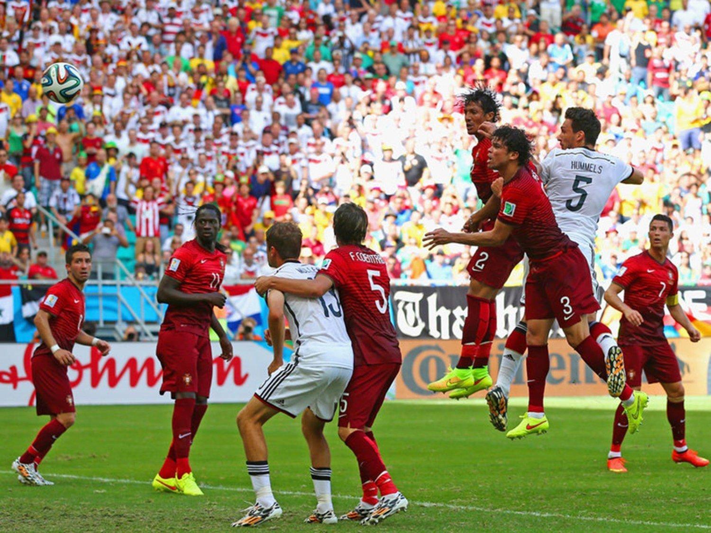 WC 0248 - 8 X 6 Photo - Football - FIFA World Cup 2014 - Germany V Portugal