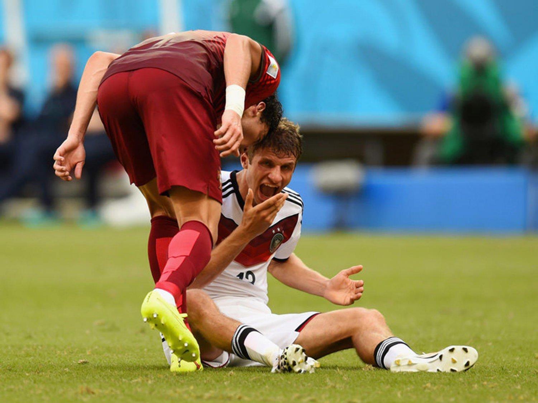 WC 0250 - 8 X 6 Photo - Football - FIFA World Cup 2014 - Germany V Portugal