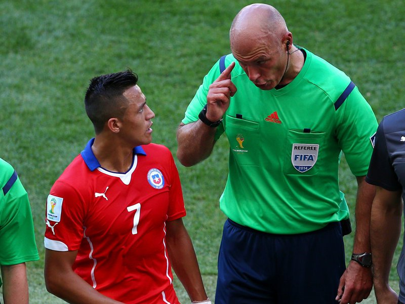 WC 0430 -  8 X 6 Photo - Football - FIFA World Cup 2014 - Brazil V Chile Howard Webb