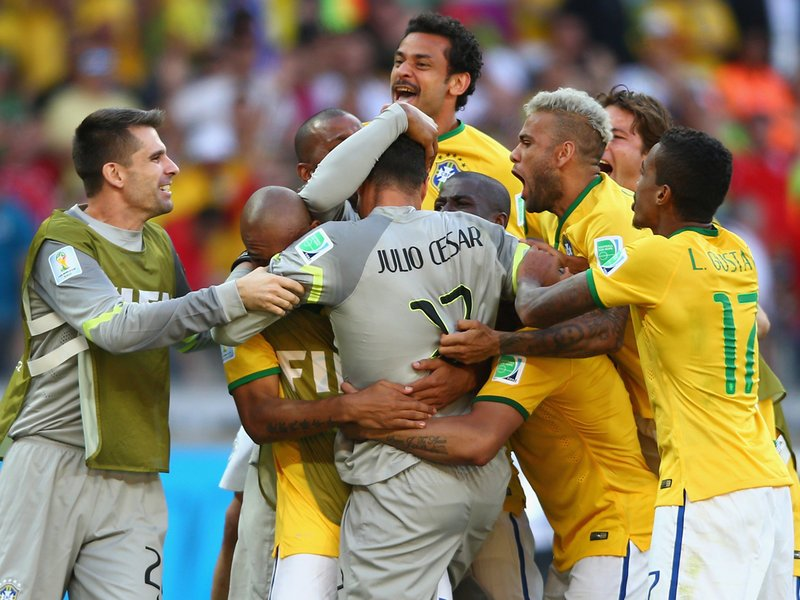 WC 0434 -  8 X 6 Photo - Football - FIFA World Cup 2014 - Brazil V Chile Shootout Win