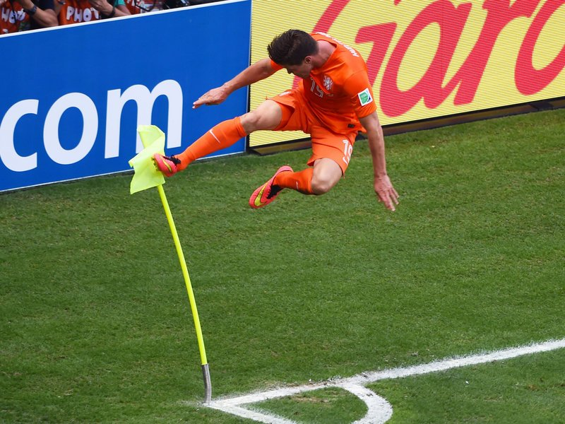 459 - 8 X 6 Photo - Football - FIFA World Cup - Holland V Mexico Jan Klaas Huntelaar Celebration