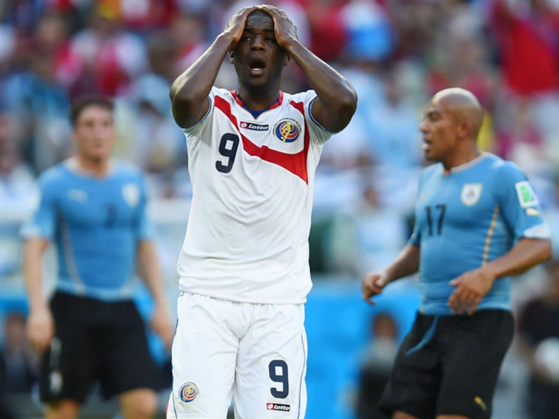 269 - 8 X 6 Photo - Football - FIFA World Cup 2014 - Uruguay V Costa Rica