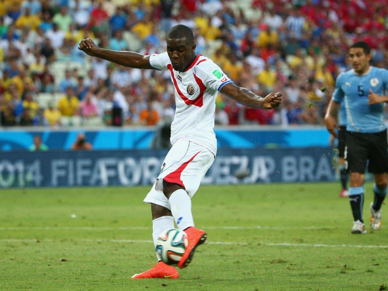 272 - 8 X 6 Photo - Football - FIFA World Cup 2014 - Uruguay V Costa Rica