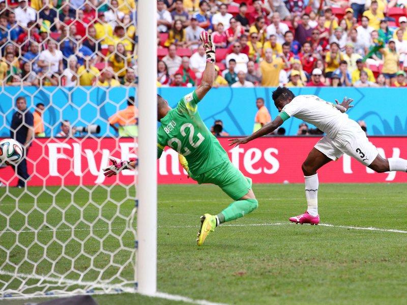 417 - 8 x 6 Photo - Football - Fifa World Cup 2014 - Portugal V Ghana Asamoah Gyan