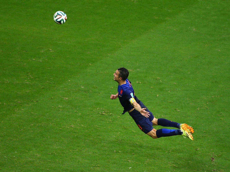307 - 8 X 6 Photo - Football - FIFA World Cup 2014 - Spain V Holland - Van Persie Super Goal