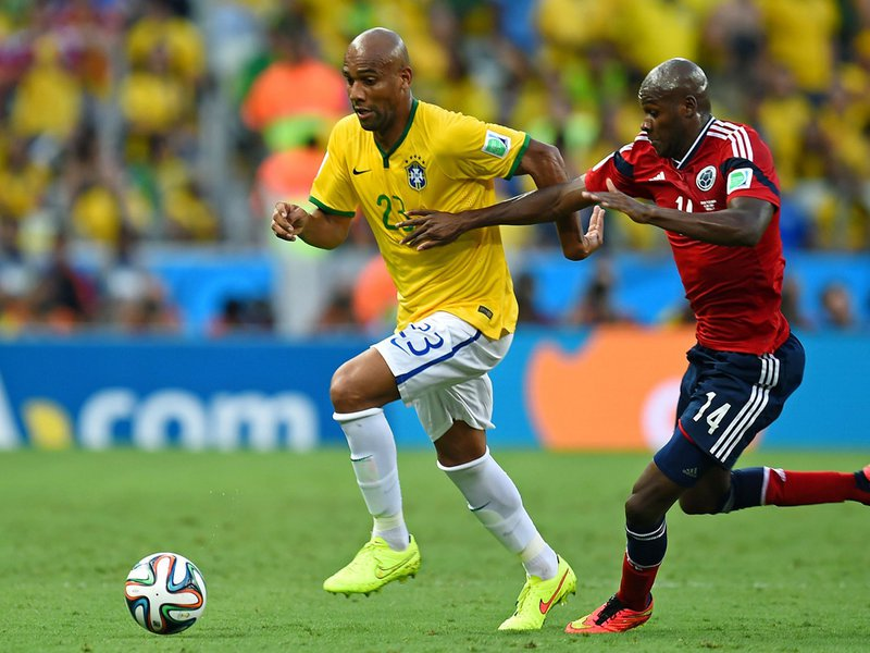559 - 8 X 6 Photo - Football - FIFA World Cup 2014 - Brazil V Colombia - Maicon