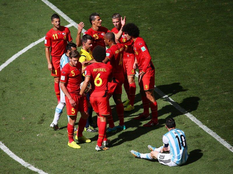 584 - 8 X 6 Photo - Football - FIFA World Cup 2014 - Argentina V Belgium - Belgian Players