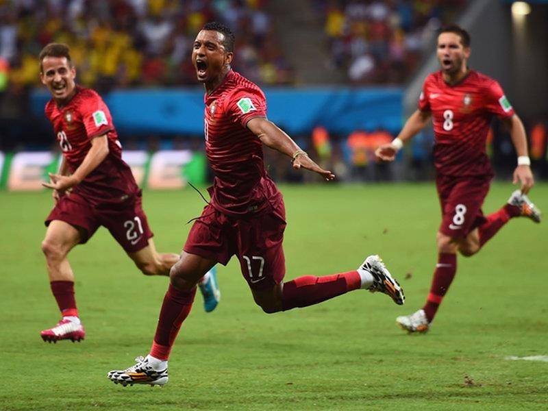 336 - 8 X 6 Photo - Football - FIFA World Cup 2014 - USA V Portugal - Nani Celebration