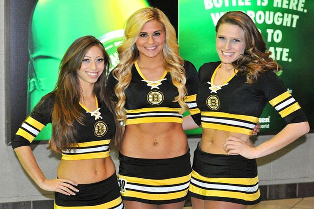 056 - 12 X 8 Photo - NHL - Girls - Boston Bruins Ice Girls  Blue Jackets At Bruins