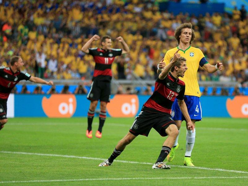 595 - 8 X 6 Photo - Footbal - FIFA World Cup - Brazil V Germany - 1-0 Thomas Muller